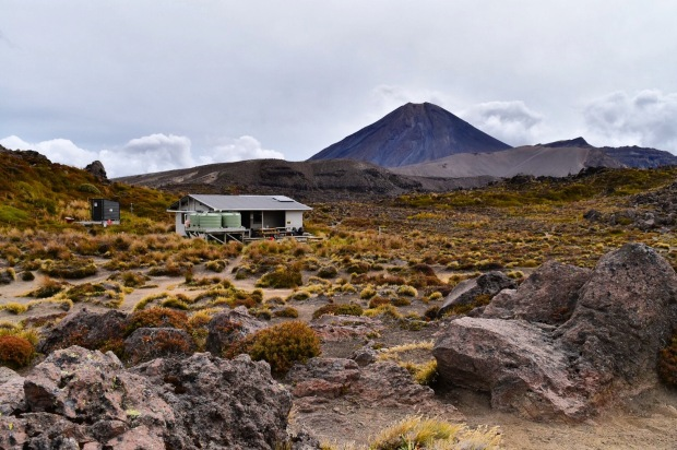 oturere hut tongariro northern circuit