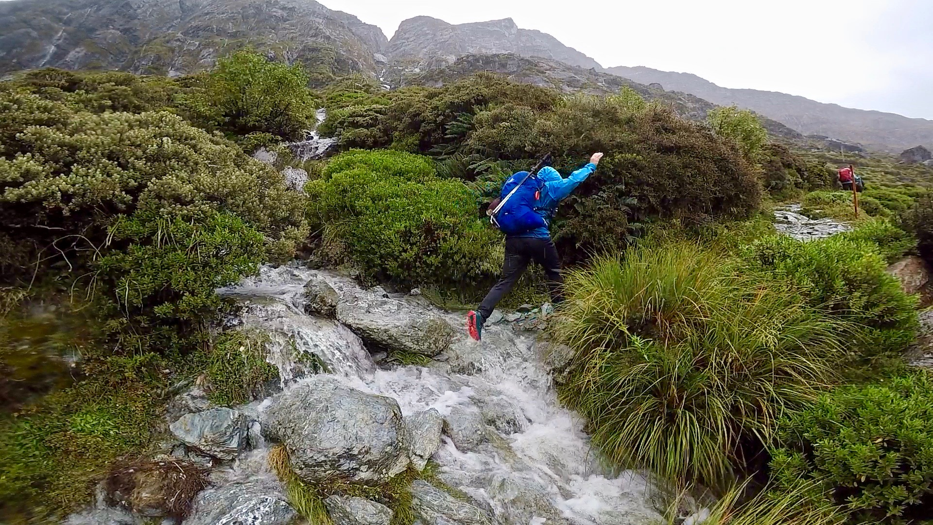 A Week S Itinerary Of Trail Exploring In Nz Queenstown Fiordland National Park All The Gear Nae Idea